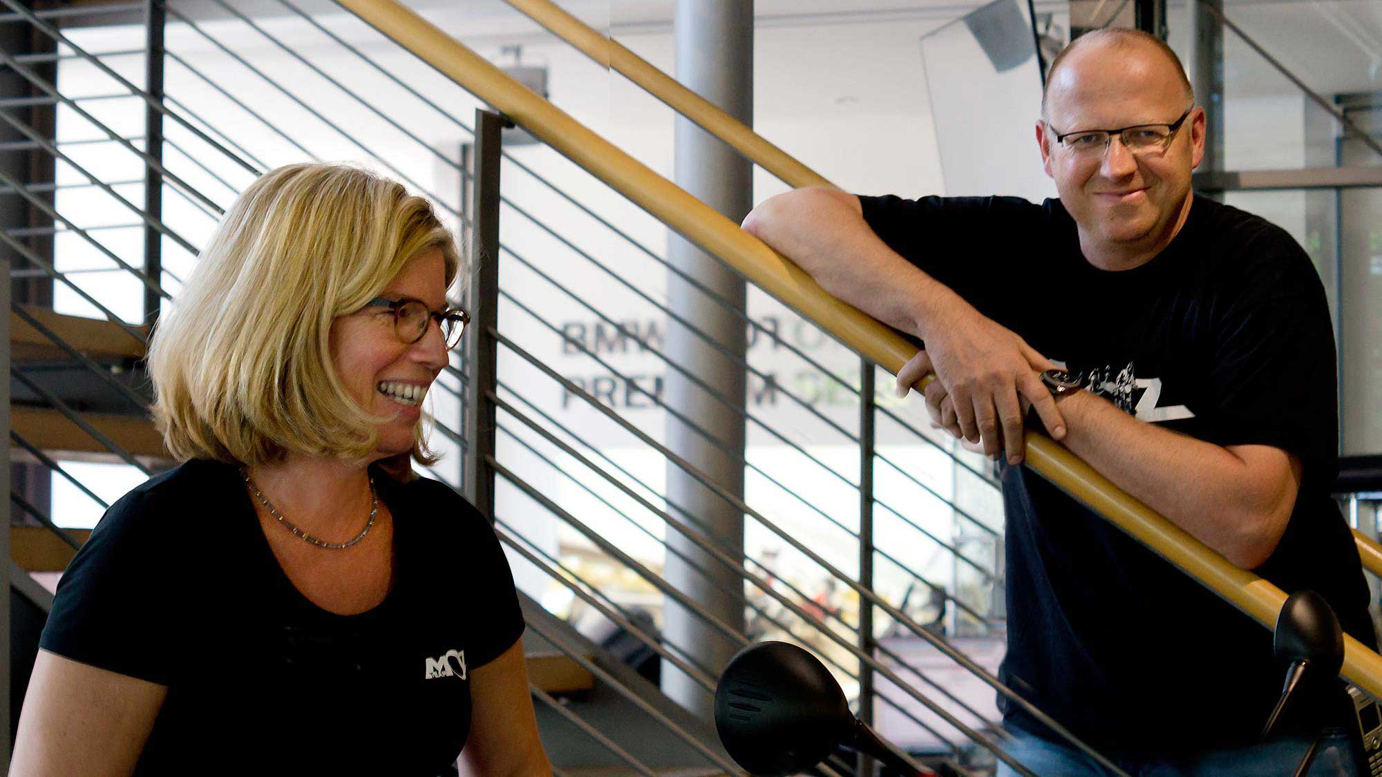 Andrea Schwär und Oli Hofsommer vom Motorradzentrum Freiburg